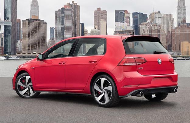 Red 2018 Volkswagen Golf GTI